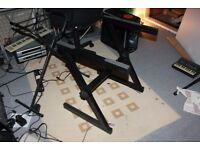 2x Keyboard Stands Z Style