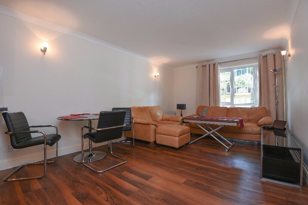 Rope Street - An amazing two bedroom two bathroom apartment to rent with private balcony and parking