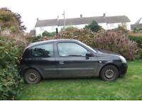 Renault Clio 1.5l For spares or repairs