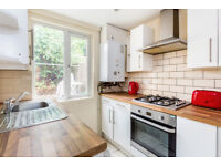 4 bedroom house in Ebor Cottages, London, SW15