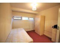 1 bedroom flat in *Dss Welcome* Cazenove Road, Stoke Newington, N16