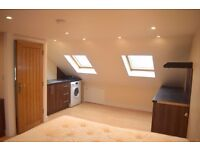 AMAZING STUDIO-HESTON TW5-£950-GREAT FOR COMMUTING-CLOSE TO M4 , A4, BATHROAD, GREAT SOUTH-WEST ROAD