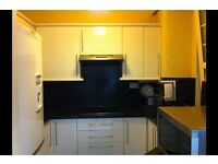 1 bedroom flat in Glasgow G12, NO UPFRONT FEES, RENT OR DEPOSIT!