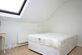 Cozy One Bed Flat, Great Location, Needs to be seen