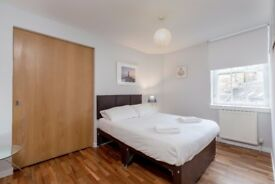 Spacious Double Room available in APRIL in Grassmarket, Edinburgh (7/11)