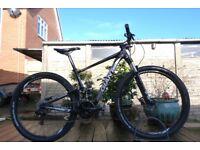 Giant Anthem X29 Mountain Bike - 29er Wheel - 18' Medium Frame Full Suspension XC Enduro Trail
