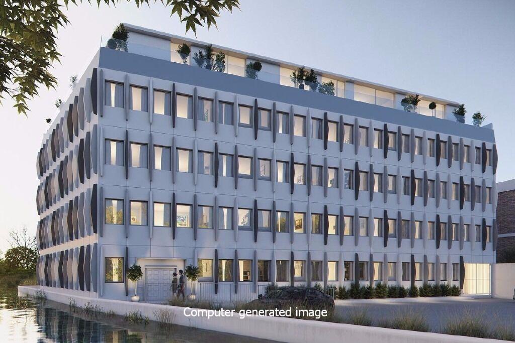 Third floor studio apartment to rent in Osborn Terrace