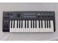 Korg R3 synthesiser