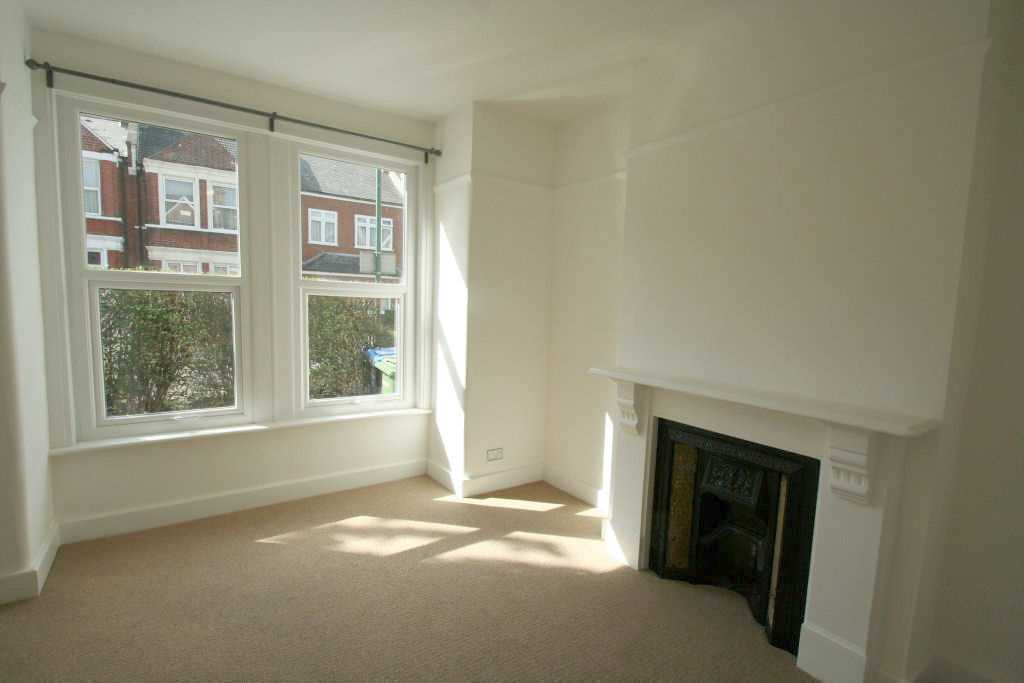 2 bedroom flat in 26 Riffel Road, Willesden, London, NW2 4PH