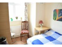 Single Room in Beautiful House Morden/Wimbledon SW19 ALL BILLS INC Available 31/10