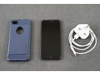 Apple iPhone 7 256Gb Unlocked + Spigen Hard case + charger