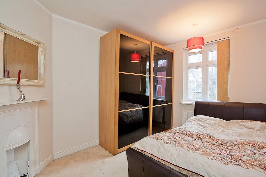 AVAILABLE JULY - FOUR BEDROOM VICTORIAN TERRACED HOUSE FOR RENT IN BOW CLOSE TO TRANSPORT LINKS