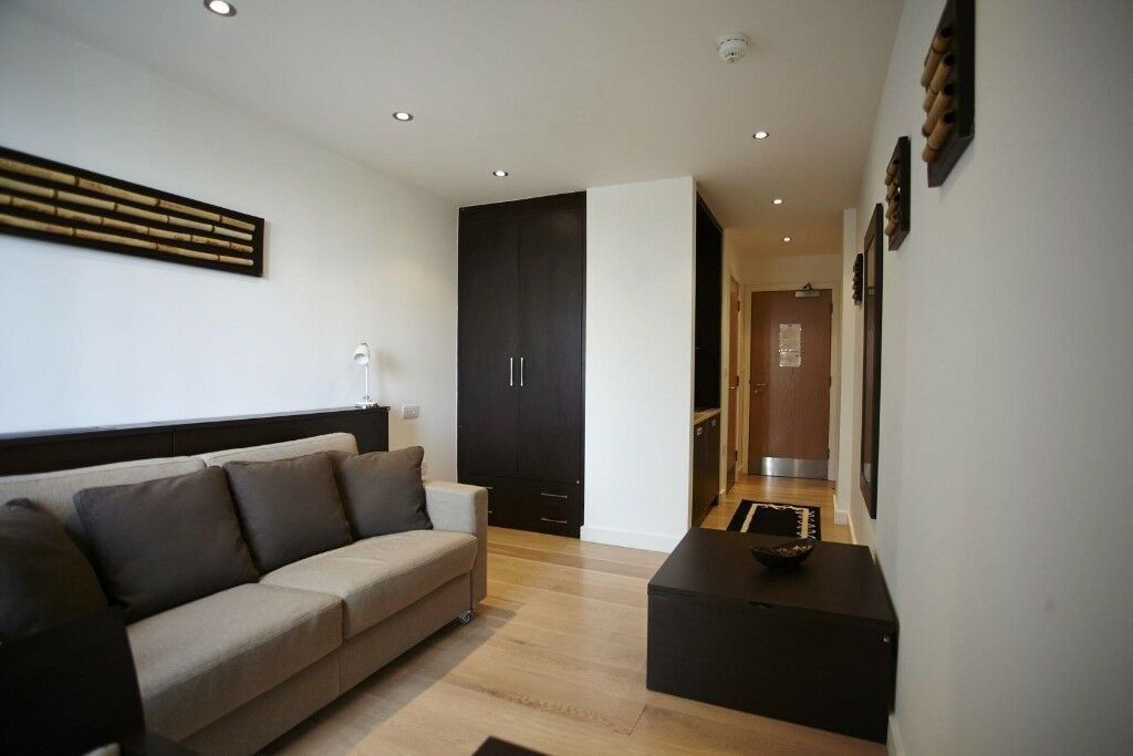 A stunning self-contained studio in Kilburn
