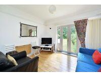 A freshly decorated 1 double bedroom garden flat to rent in the heart of highbury: Highbury New park