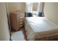 Brightful and Comfortable Double Bed Room in Clapham (ZONE 2)