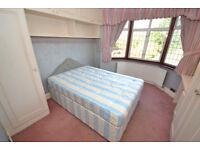 Room's To Rent, Close To Northwick Underground Station.