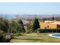 Spacious Luxury apartment, Benalmadena Pueblo, Malaga. 2 bed, 2 bath,sea/pool views. Near village