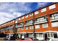 STUDENT INCENTIVES!! Well Maintained Four Bedroom Property In Kennington Offered Fully Furnished.