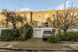 Lovely Family House 5 bed room Recently Decorated