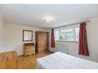 Large 4 bedroom house to rent Islington! Available now! 4 big bedrooms, split over 3 floors! £550pw