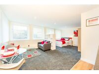 APARTMENTS TO LET - TOWN CENTRE - FURNISHED/UNFURNISHED - ALL BILLS INC - HALF PRICE RENT