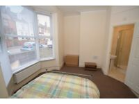 1 Bedroom Flat to rent West Parade-NO FEES