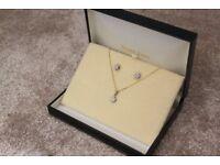 Ernest Jones Diamond Accent & 9ct Gold Necklace & Earrings Set