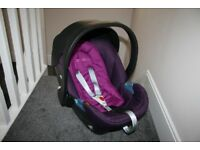 Cybex Aton infant baby car seat group 0+ 0-15 months purple ***can post***
