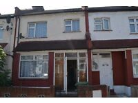 AMAZING NEWLY REFURBISHED 3 BEDROOM HOUSE + LOUNGE NEAR CANNING TOWN STATION *PART DSS WELCOME*