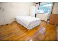 ++ ALL BILLS INCLUDED ++ DOUBLE ROOM available in EDMONTON ENFIELD, 2 Bathrooms, free parking
