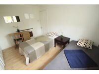 PERFECT DOUBLE/TWIN ROOM TO RENT IN CAMDEN TOWN NEAR TO THE TUBE STATION 37A