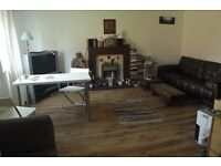 Fully Furnished, 2 Bed Apt, City Centre, All Bills Inc, No Deposit,No Admin Fee,Pets Allowed!