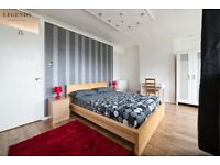 SUPER SPACIOUS ROOM IN HACKNEY - ZONE 2 - CITY CENTER - COUPLES WELCOME - CALL ME TODAY