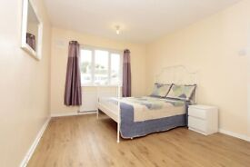 🌸 Poplar • 3 Double rooms • Available Now • zone 2 • 0 Deposit Available • £145