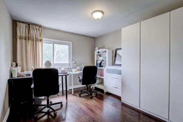 1 Bedroom In A Mainfloor Bright And Clean Room Long