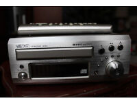 Denon UD M31 Hi fi system with Denon speakers and remote