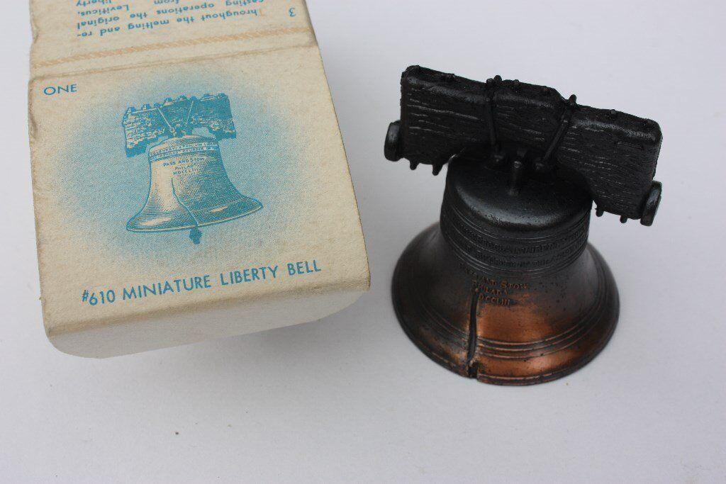 EXCELLENT Vintage #610 Miniature Metal Liberty Bell USA Penncraft Pennsylvania Boxed Travel Souvenir