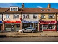 KINGSTON ROAD - SW20 8JS - A STUNNING LARGE 2 BED FLAT SECONDS FROM WIMBLEDON CHASE STATION