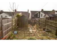 Dover Kent rent £80 per night stay 9th - 12th May spacious 3 bed house in quiet area close to town