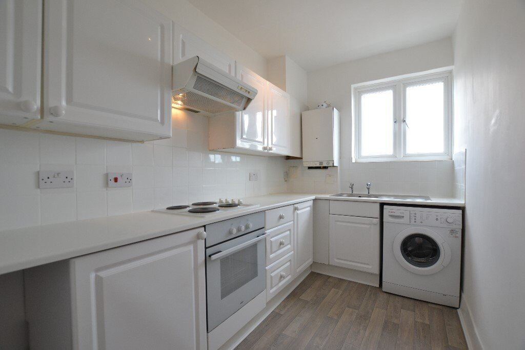 Beautiful Newly Refurbished Two Bedroom On Acton Highstreet