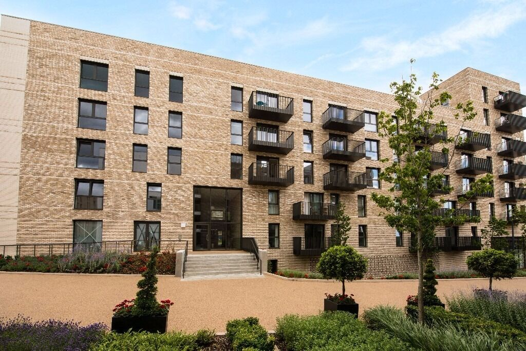 @ Kingfisher Heights - Amazing 3 bedroom Duplex Apartment - Canning Town/Royal Docks - Gym!