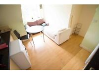 Single & Double rooms to rent in fully furnished house in North London