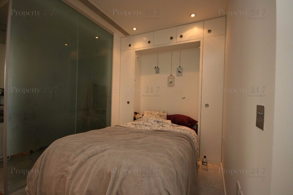 ONE BEDROOM SUITE. ONTARIO TOWER. E14