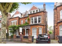 We are pleased to present this lovely two bedroom apartment available to rent on Kings Avenue