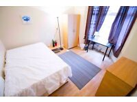 Double Rooms, 3 Ensuites, 2 Bathrooms, Living room