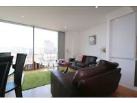 10th floor one bedroom flat in Landmark West Tower, E14, gym, 24hr concierge, furnished, river views