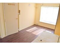 TREMENDOUS STUDIO - UB8/UB10 - GREAT LOCATION SUITABLE FOR SINGLES/COUPLES - DONT MISS OUT