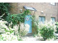LOVELY 3 BED TOWN HOUSE IN A GATED DEVELOPMENT W/ PRIVATE GARDEN IN DARTMOUTH PARK