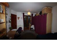CAMDEN/MORNINGTON CRESCENT NW1 - TWO BEDROOM GARDEN FLAT, 1 MINUTE WALK TO TUBE & SHOPS