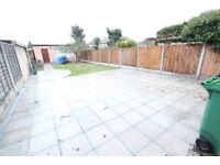 AVAIL TODAY ! Ideal for amenities, shops & more. REFURBISHED HOUSE, 3 beds, 2 bath, Drive. Romford